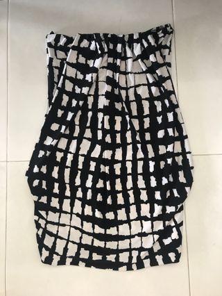 🚚 #SpringCBn Hypnosis Monochrome White Black Pattern Tube Top Tunic Dress