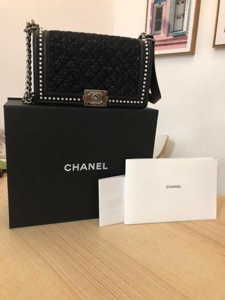 Chanel Handbag Limited Design Edition Black (Condition 9.8/10, purchased locally with receipt)