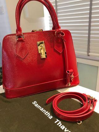🚚 A Lovely Red Samantha Thavasa Bag