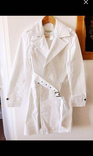 Spring white trench
