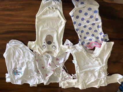 🚚 Lightly used baby girl clothes