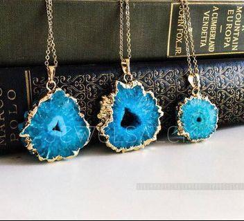 BN BLUE GEODE STONE PENDANT 14pcs (also available in green geode)