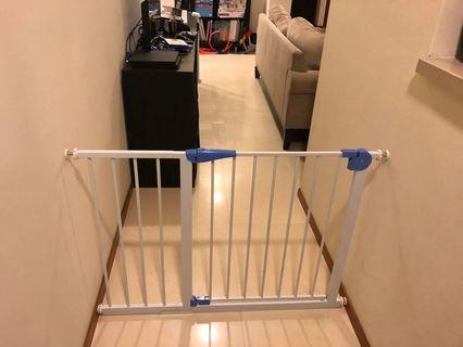 🚚 Auto Closed Baby Safety Gate