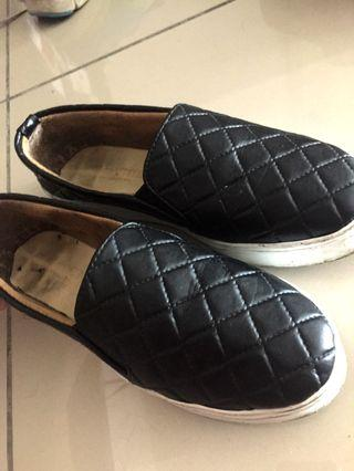 Basic Loafers Shoes