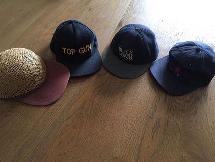 4 caps, free, brim flat