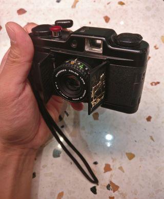 🚚 Chinon film camera (bellami)