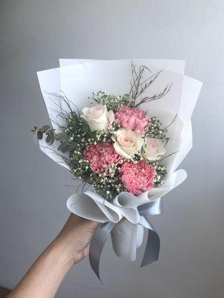 🚚 💕 Mother's Day Fresh roses and carnations bouquet