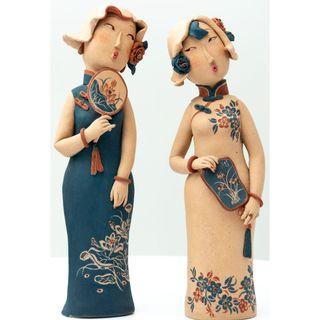 🚚 Walk of the Elegant Ladies, ceramic sculpture