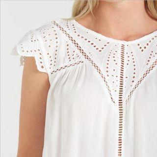 🚚 cotton on jolie embroidered crochet top in white