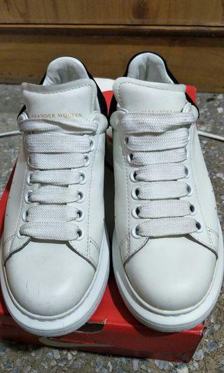 🚚 精典白鞋