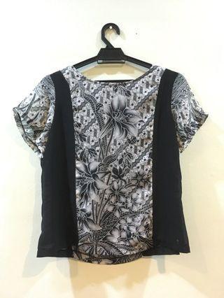 Floral black white top