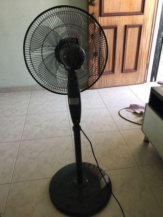 cornell standing fan