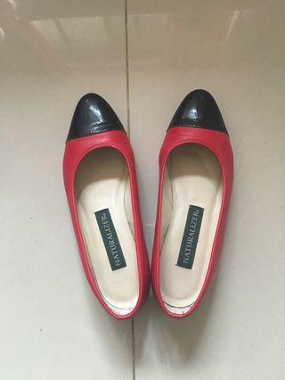 🚚 紅黑拼色鞋