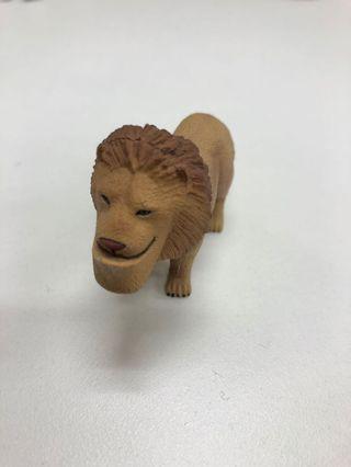 扇斗星球下巴兜兜獅子