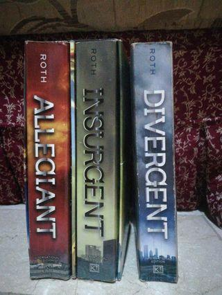 Divergent Series (Books 1, 2, and 3) by Veronica Roth