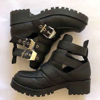 Super Comfy Chunky Adjustable Buckle Boots ⚡️