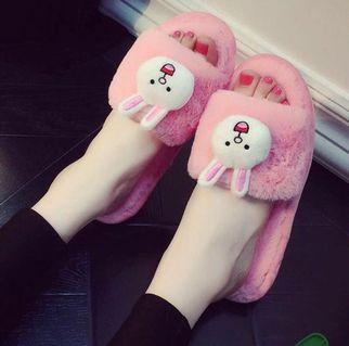 [Instocks] size 40 cute lines plush soft slippers / sandals