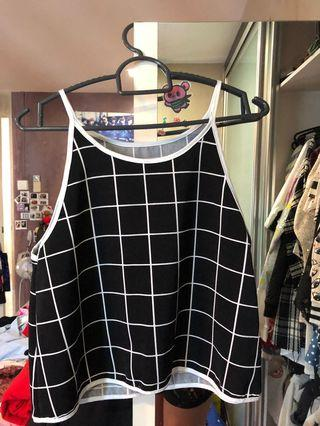 🚚 Checkered Halter Crop Top
