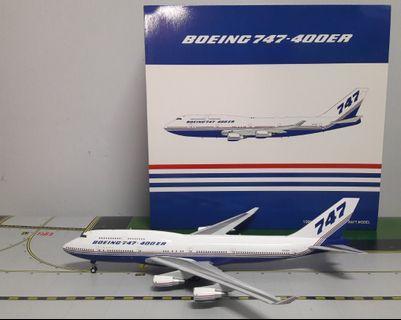 1/200 DIECAST BOEING B747-400ER