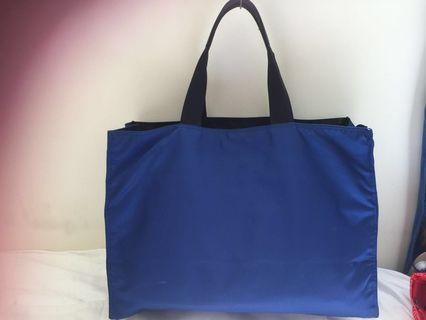 🚚 Prada royal blue tote HUGE!