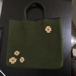 軍綠色簿絨手挽袋