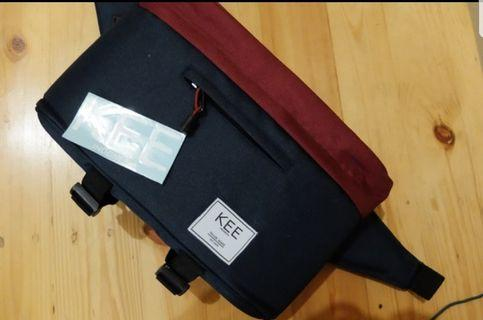 Tas Kamera KEE (FREE RAINCOVER & DRAWSTRING BAG) - Navy Maroon +++FEEE SUNGLASSES+++
