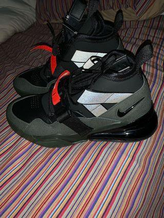 Nike Air Force 270 in military tones