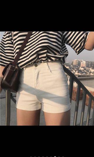 🚚 捲邊修身短褲