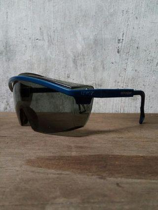 Kacamata safety uvex germany