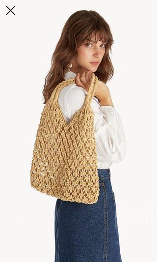 🚚 Woven knitted tote bag