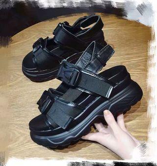 💋黑色扣帶厚底涼鞋💋鬆糕涼鞋 厚底鞋 白色涼鞋 設計款