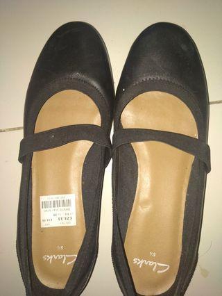 Sepatu Clarks beli di Inggris, ga pernah dipakai