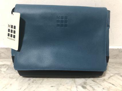 Moleskin messenger / laptop bag