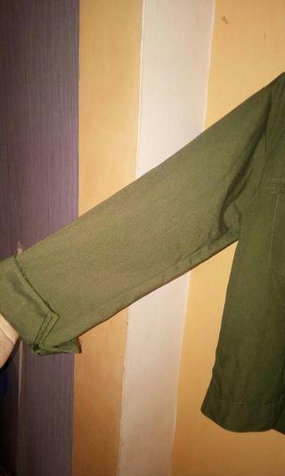 Jaket (warna hijau army)