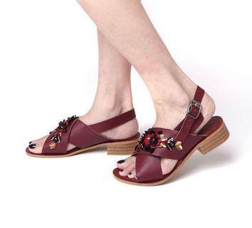 Sandal maroon