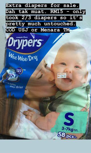 (Reduced) Drypers diapers pampers size S