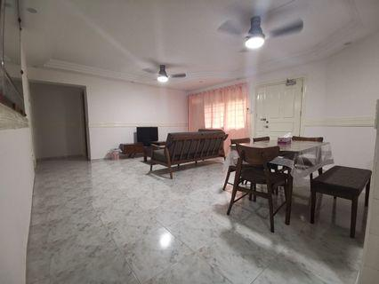 Rent: Blk 729 master &common room for rent.