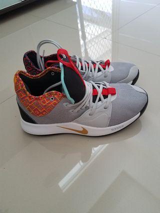 Sepatu olahraga basket NIKE PG3 BHM