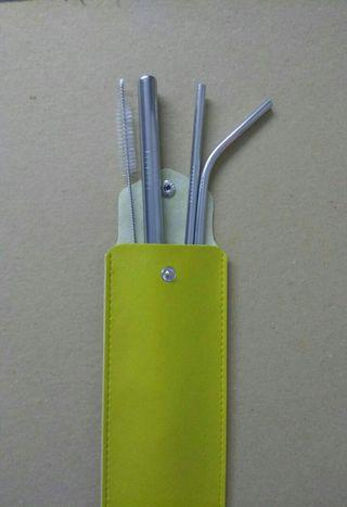 Pouch & sedotan stainless