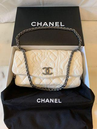 🚚 Chanel holiday edition - Moscow collection (limited edition)