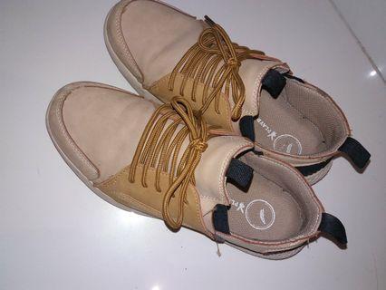 #BAPAU sepatu jalan jalan