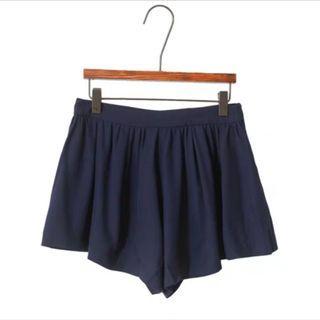 全新 深藍滑身A字短褲熱褲 無彈性 navy hot pants