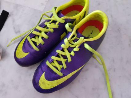 Nike Soccer Boots set with wocks shin guards