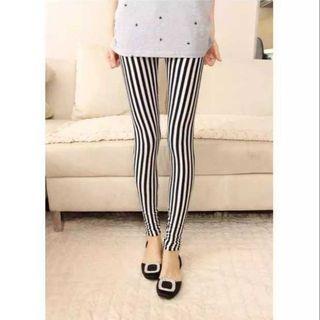 🚚 SALE🔥時尚明星黑白粗细直條紋牛奶絲小腳褲彈力內搭褲九分褲
