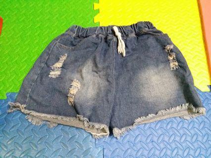 牛仔短褲 hip 51cm
