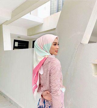 AZ Addict Ivory Pink