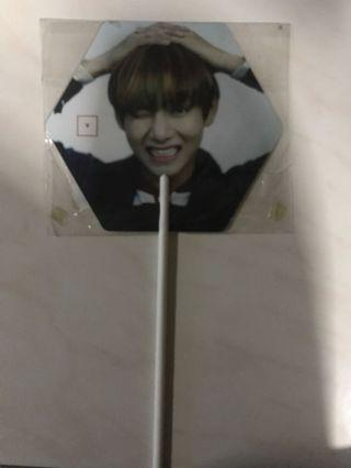 BTS OFFICIAL TAEHYUNG V HYYH ON STAGE IMAGE PICKET