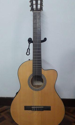 Cort Classical Guitar ( + pickup)