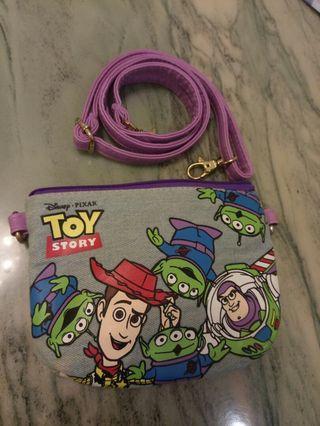 Japan Disney store toystory woody buzz crossbody pouch 日本迪士尼 反斗奇兵 胡迪 巴斯光年 三眼仔 斜孭手機包