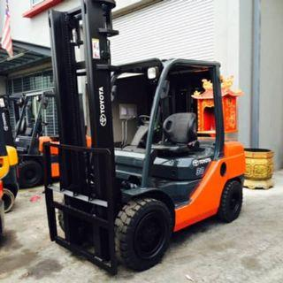 TOYOTA 8 Series 3T Forklift